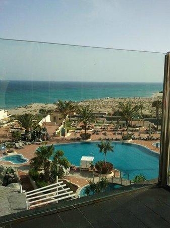 SENTIDO H10 Playa Esmeralda : pool area from the terrace