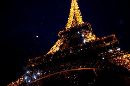 Tour Eiffel : The eiffel tower at night