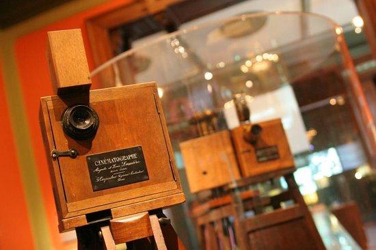 Institut & Musee Lumiere: Cinématographe Lumière