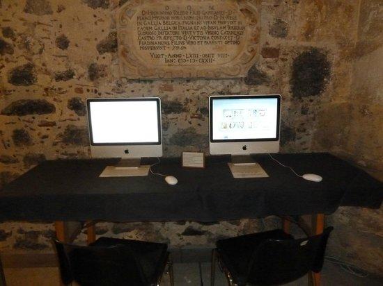 Museo Civico Castello Ursino: Postazione PC