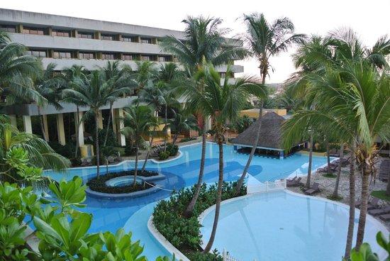 Melia Habana: la bella piscina