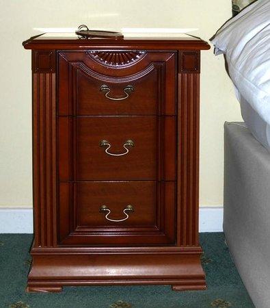 The Pyewipe Inn: Good quality furniture
