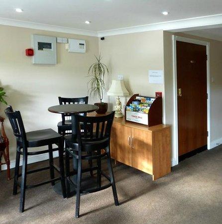 The Pyewipe Inn: Reception area