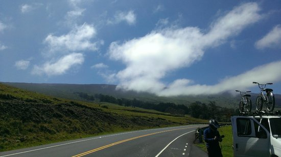 Paia, Havaí: Below the Clouds - On the way down
