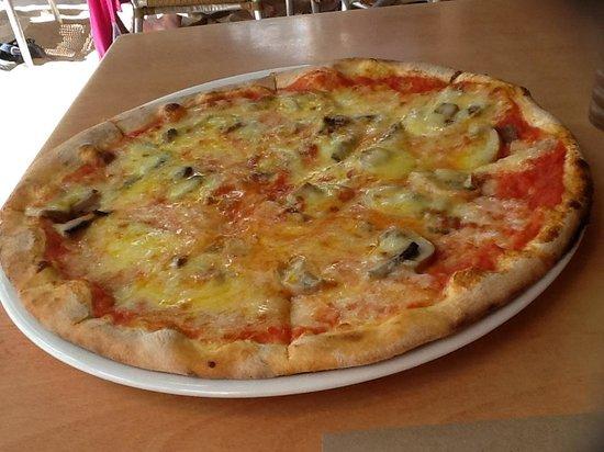 Aria Restaurant: pizza