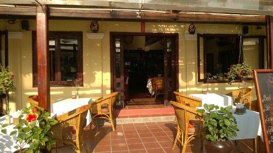 Ha An Hotel: Dining /Breakfast area