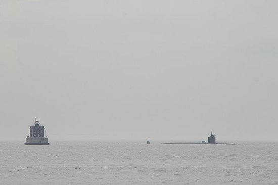 Avery Point Light : New London Ledge Light with Submarine