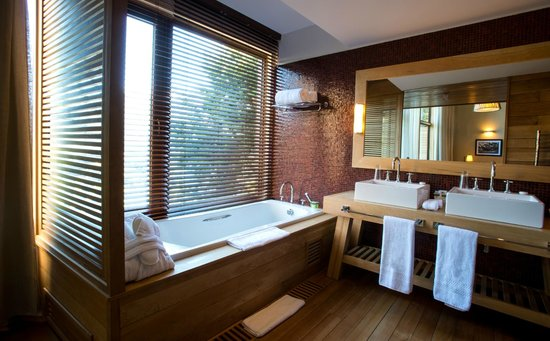 Uman Lodge Patagonia Chile: BATHROOM