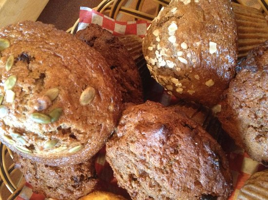 Bean Counter Bistro & Coffee Bar: Fresh muffins daily!!