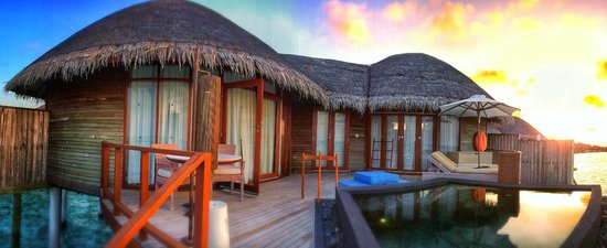 Constance Halaveli: Beach Villa with pool