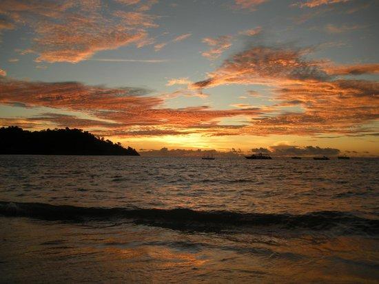 Andilana Beach Resort: Tramonto dalla spiaggia