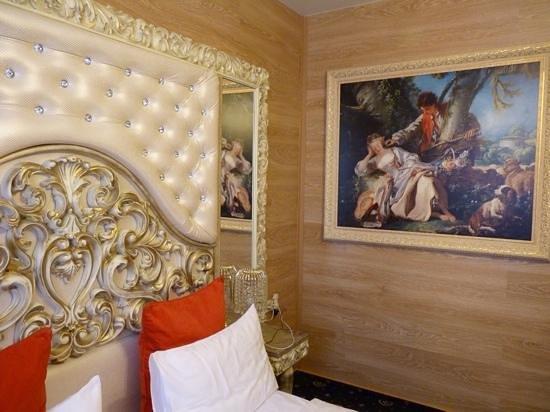 Gallery Avenue Hotel: bedroom