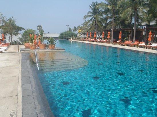 Amari Garden Pattaya: the brilliant swimming pool