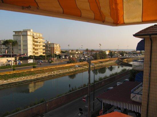 Hotel Laurin: vista di viareggio del mare e del fiume camaiore