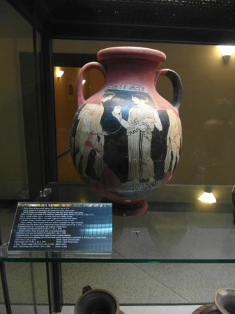 Museo Claudio Faina : Ancient Greek wine container