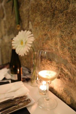 Essencia Lusa Restaurante Tradicional: RESTAURANT