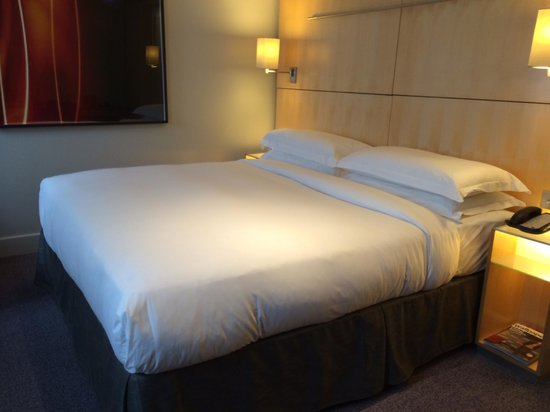 Andaz London Liverpool Street : Big bed