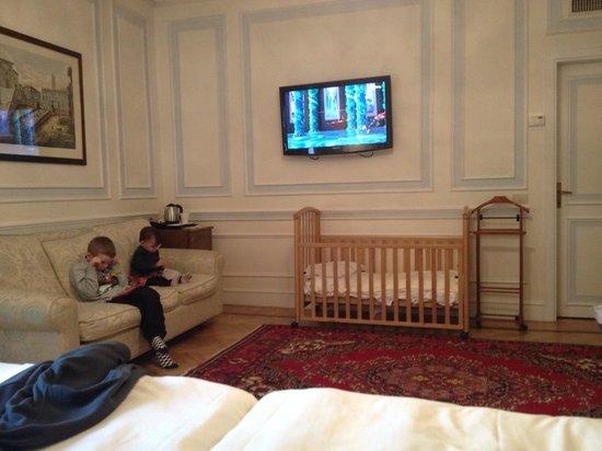 Quirinale Hotel: Room 502
