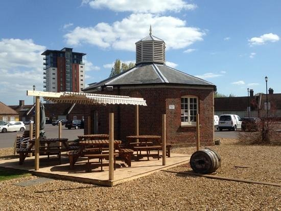 The Pump House: Open Seating Area for a Sunny Day