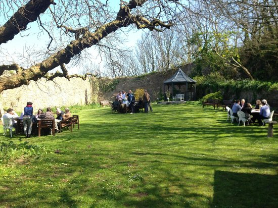 The Berry Head Hotel: The walled garden