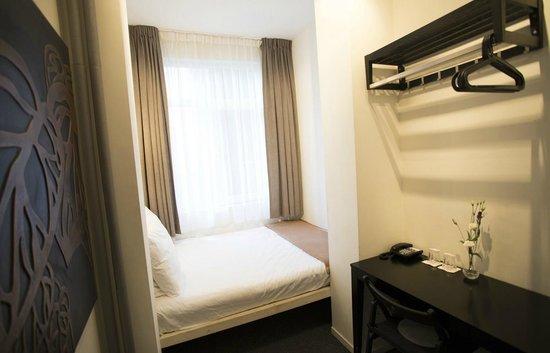 Quentin Amsterdam Hotel: Economy Double Room