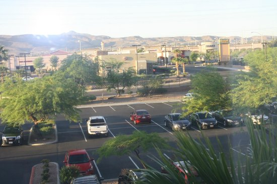 Holiday Inn Express Henderson: View through the room window