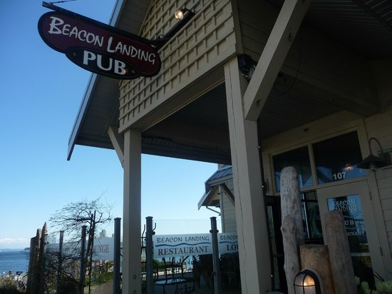 Beacon Landing Restaurant and Pub: good location.