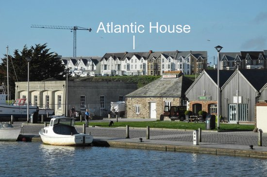 Atlantic House Hotel: View of hotel from across town