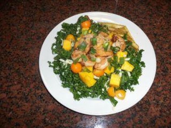 Flamingo Beach Resort: Oneof our dinners--shrimp and mango kale salad