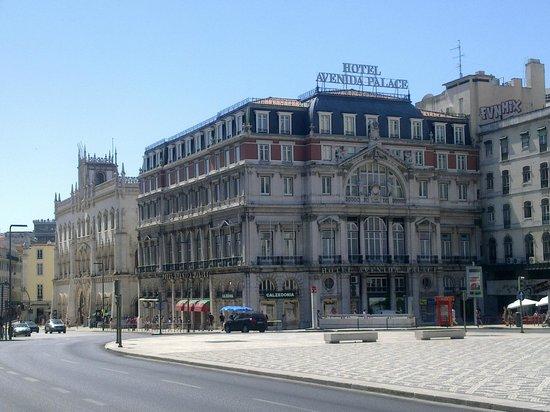 Hotel Avenida Palace: La facade coté RESTAURADORES