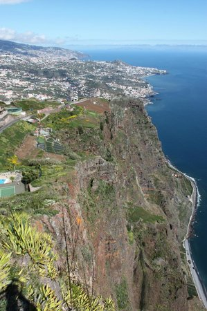 Cabo Girao : view to funchal