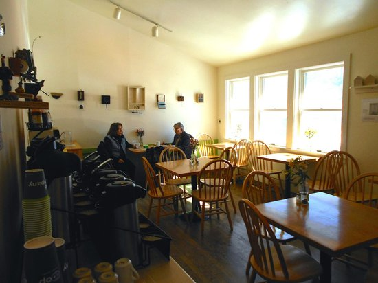 Blue Hill Co-op Cafe: Warm and sunny seating area with monthly art exhibits