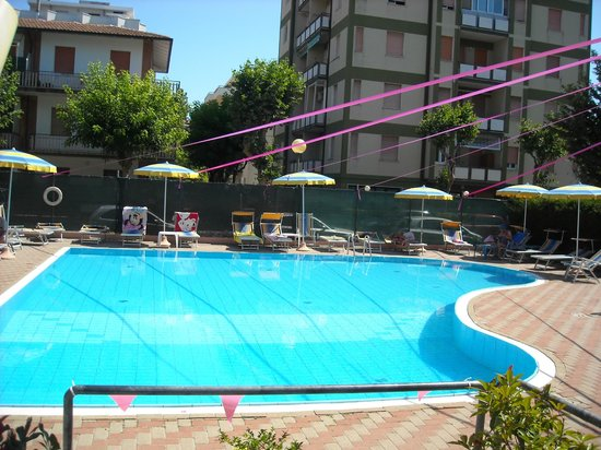 Hotel Abarth: piscina