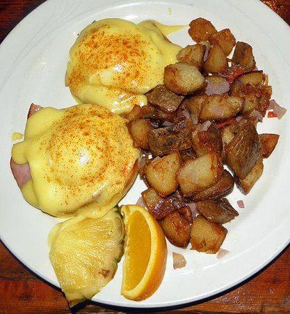 The Timberhouse Restaurant: Eggs Benedict. Served during brunch on Sundays only