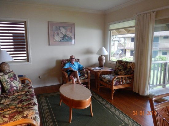 Hanalei Colony Resort : Our beautifully furnished room