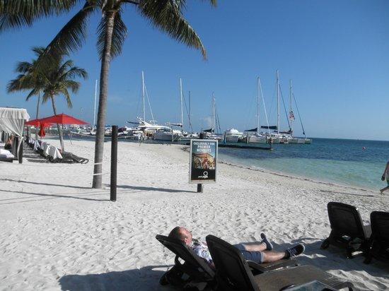 Temptation Cancun Resort: Beach