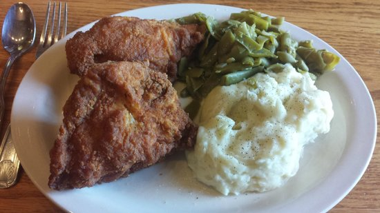 The Old Mill Restaurant: The Fried Chicken Dinner (Luncheon)