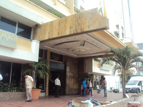 Hotel Dorado Plaza: entrada hotel
