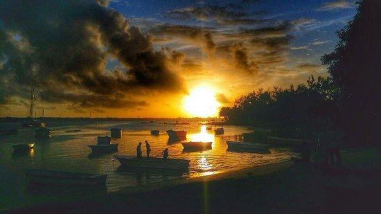 Radisson Blu Azuri Resort & Spa, Mauritius : Sunrise at Azuri