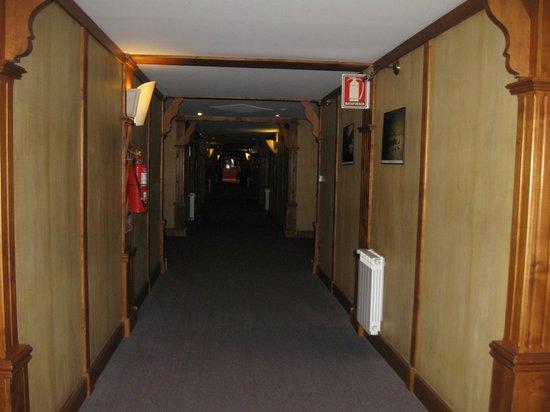 Hotel Los Nires: pasillo  hacia las habitaciones