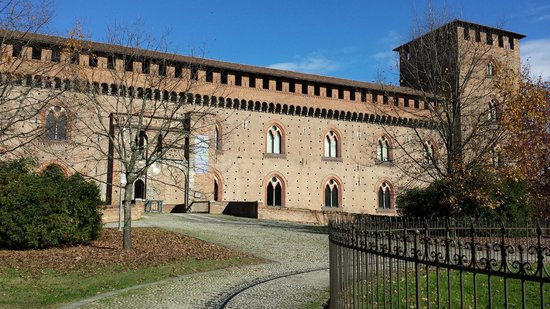 ‪Musei Civici di Pavia Castello Visconteo‬