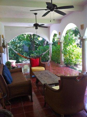 Hotel Posada San Juan: The little lounge area outside of our room