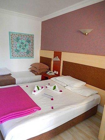 Labranda Ephesus Princess: Chambre avec déco lit
