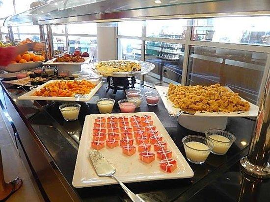 Labranda Ephesus Princess: Buffet desserts 1