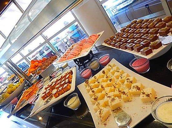 Labranda Ephesus Princess: Buffet desserts 2