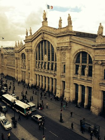 Mercure Paris Terminus Nord : View of Gare du Nord