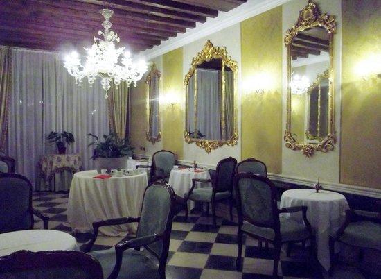 B4 Bellini Venezia : salle du petit déjeuner