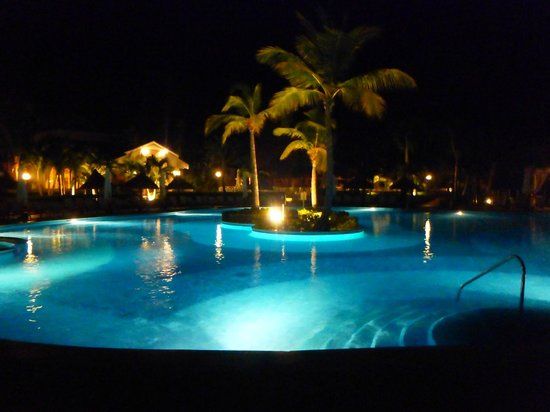 Luxury Bahia Principe Ambar Blue Don Pablo Collection: Calm at night