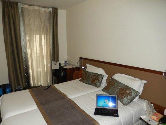 Art Hotel Lafayette: Кровать