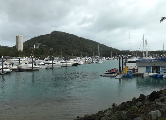 Hamilton Island Marina : After the storm